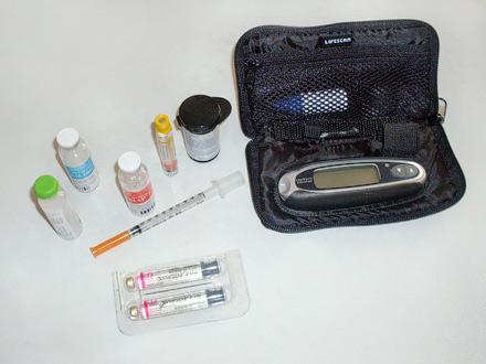 Инсулин, глюкометр, тест-полоски – без всего этого больному сахарным диабетом не обойтись...