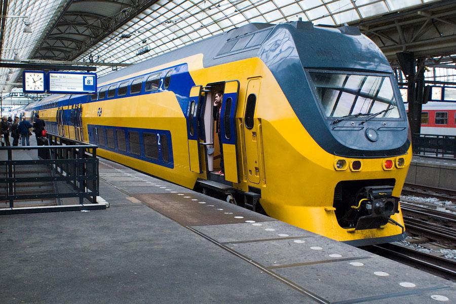 мужчинам скажу как работает электричество в поезде парфюмом кончики пальцев