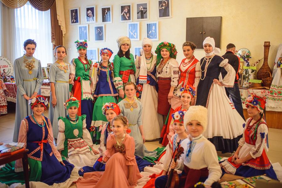Красноармейский театр мод  «Клеопатра»  представил родной город на фестивале в Луганской области, фото-1