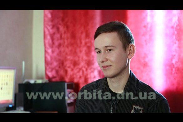 Виктор Недашковский - лишенный способности слышать, но одаренный умением рисовать