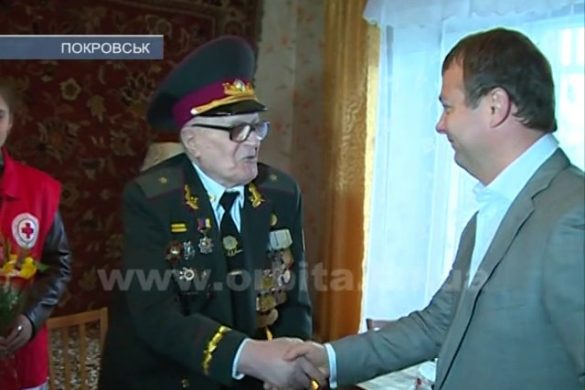 В гости к ветерану: Михаила Глобенка посетила важная делегация