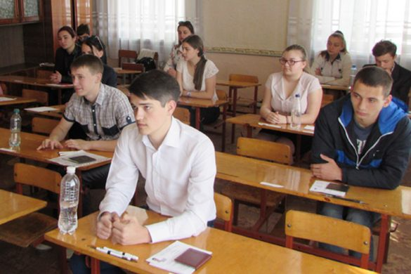 Как сдавали ВНО по украинскому в Покровской ОШ №12