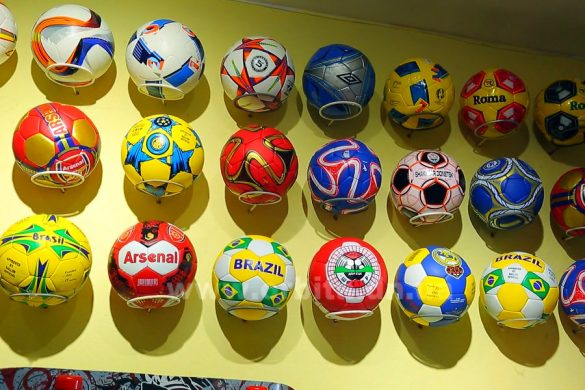 Правильно выбираем футбольный мяч