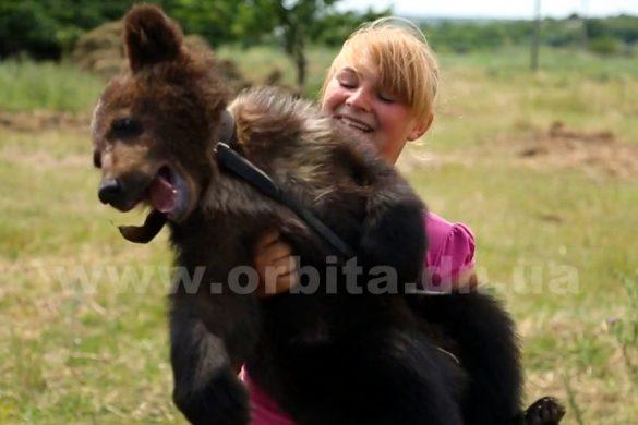 Как в домашнем зоопарке семьи Падалко дети ухаживают за живоными